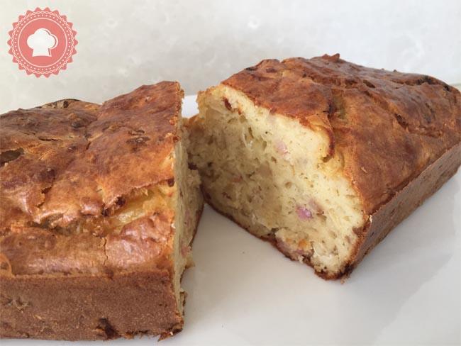 Une recette facile et gourmande : le cake au camembert et lardons