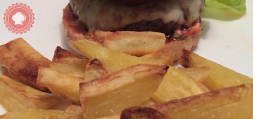 Une recette de frites au four maison facile et légère