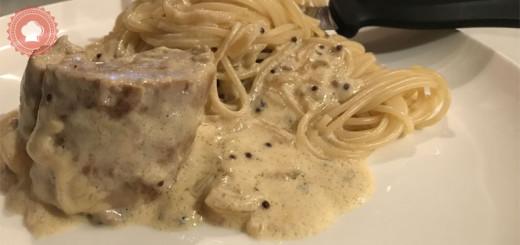 La recette classique mais toujours délicieuse du filet mignon de porc en cocotte et sa sauce moutarde