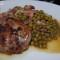 Crépinettes de porc aux petits pois et lardons